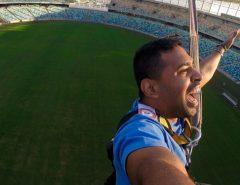 """""""Bungee jump"""" no estádio de Durban, que recebeu sete jogos da Copa do Mundo de 2010, na África do Sul."""