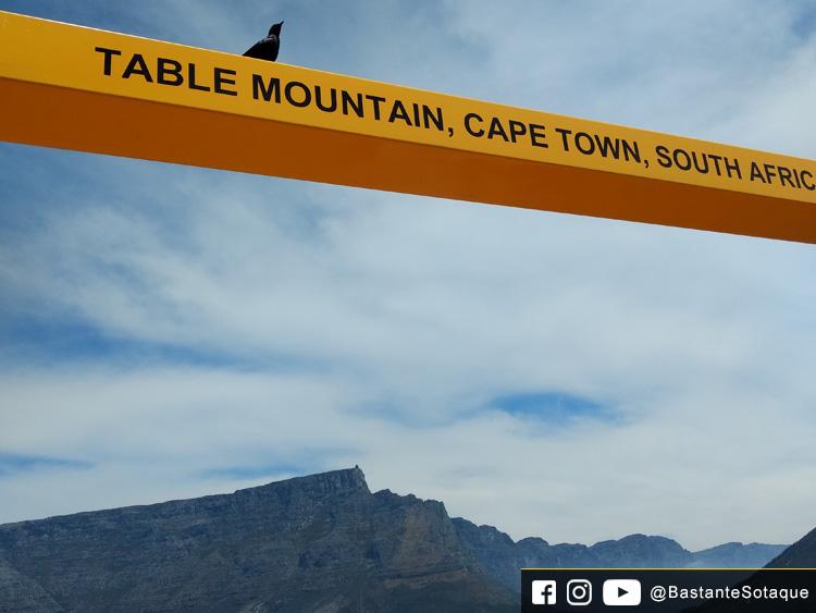 Moldura amarela - Signal Hill e Table Mountain- Cidade do Cabo/Cape Town, África do Sul