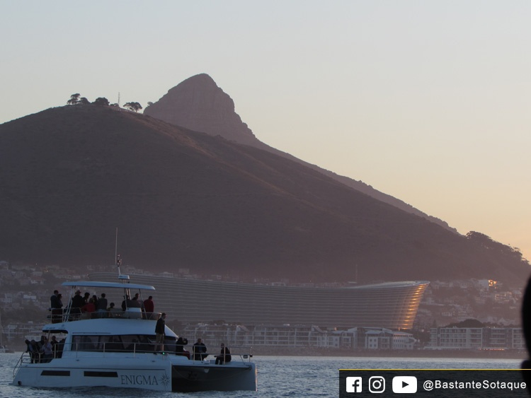 Sunset Champagne Cruise - Cidade do Cabo/Cape Town, África do Sul