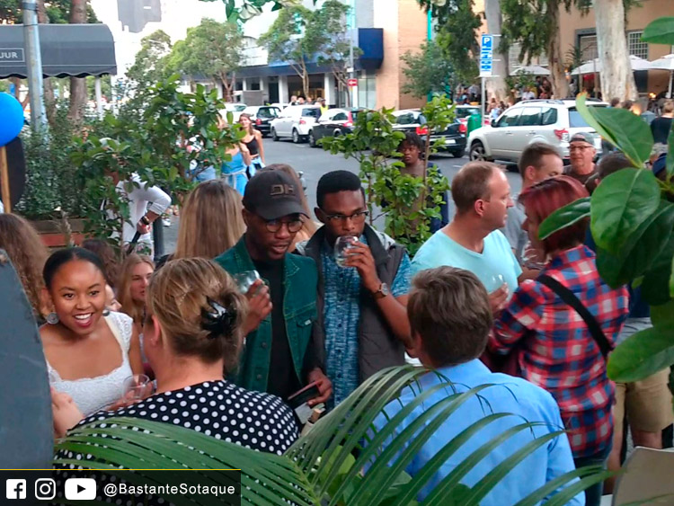 Tuning the Vine - Cape Town/Cidade do Cabo, África do Sul